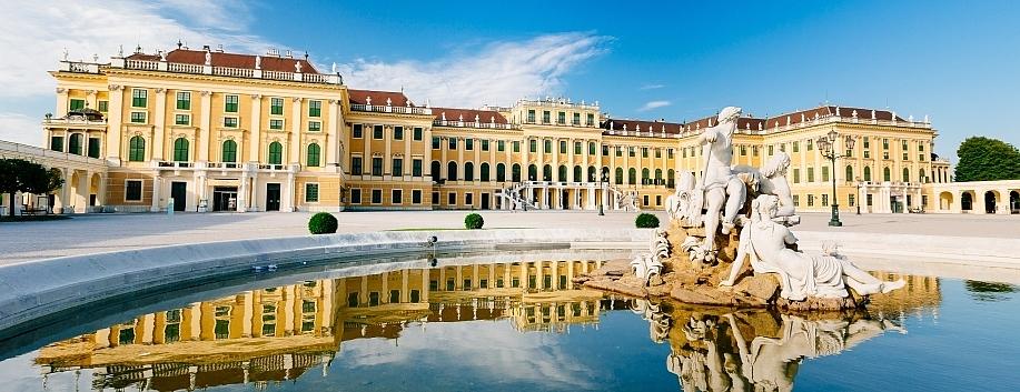 Vienna_schonbrunn_palace_Austria