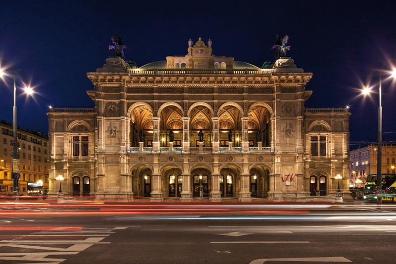 Wiener Staatsoper_Vienna_state_Opera_house_Travelling-Instyle